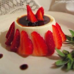 pannacotta fragole e aceto balsamico