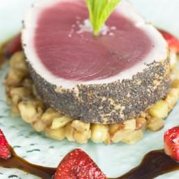 tonno-in-crosta-di-papavero-con-aceto-balsamico-tradizionale