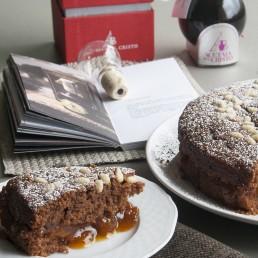 Torta vegana al cioccolato e aceto balsamico tradizionale
